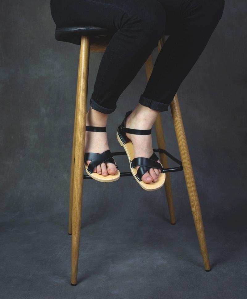 Černé páskové letní barefoot boty
