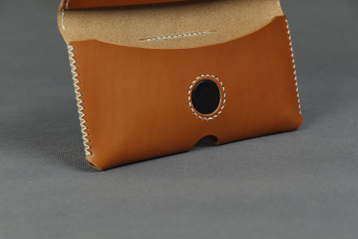 Kožené pouzdro A-K na opasek pro Apple iPhone 12 Pro Max, zavírání na magnet