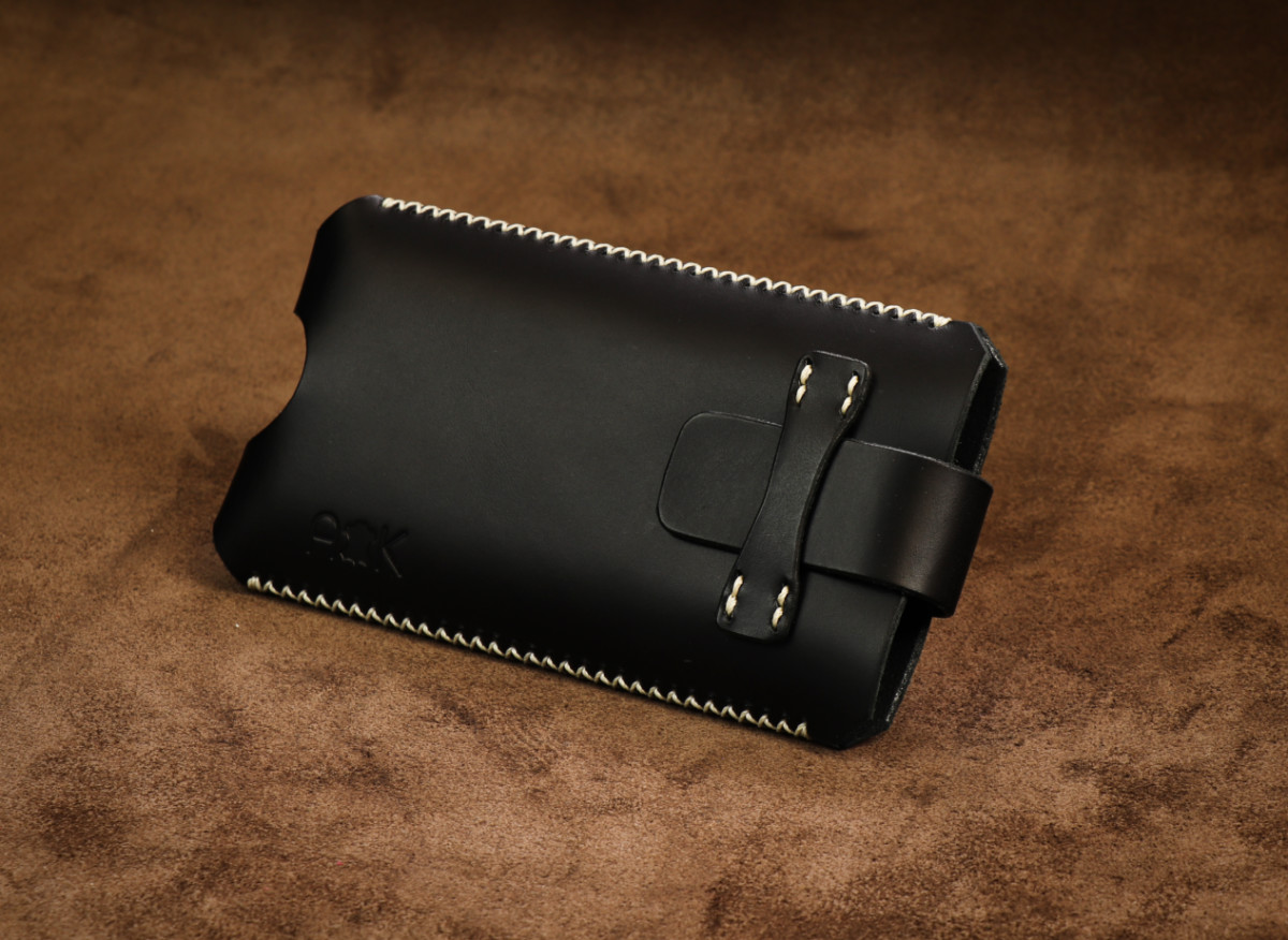 Kožené pouzdro A-K se zavíráním Apple iPhone 4, černé s křížkovým stehem