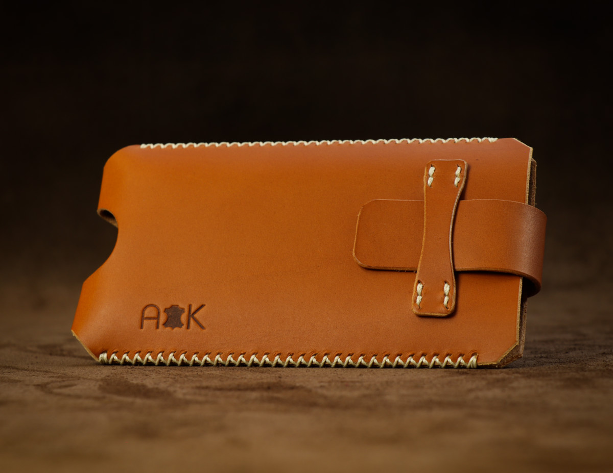 Kožené pouzdro A-K se zavíráním Apple iPhone 4, světle hnědé s křížkovým stehem