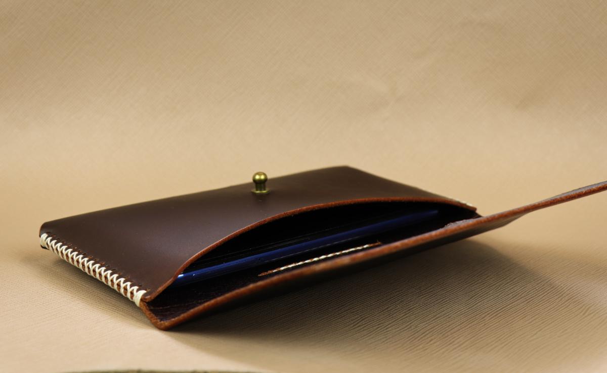 Kožené pouzdro A-K pro Nokia 6.1, tm. hnědé na opasek