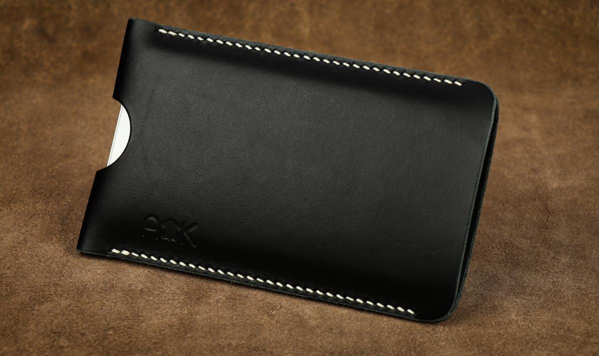 Pouzdro A-K z pravé kůže pro Apple iPhone 4s, černé