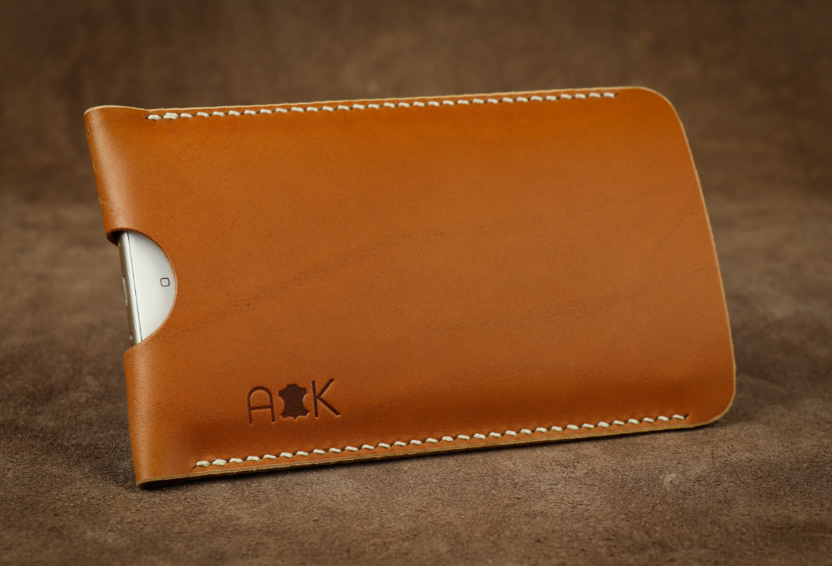 Pouzdro A-K z pravé kůže pro Apple iPhone 4, světle hnědé