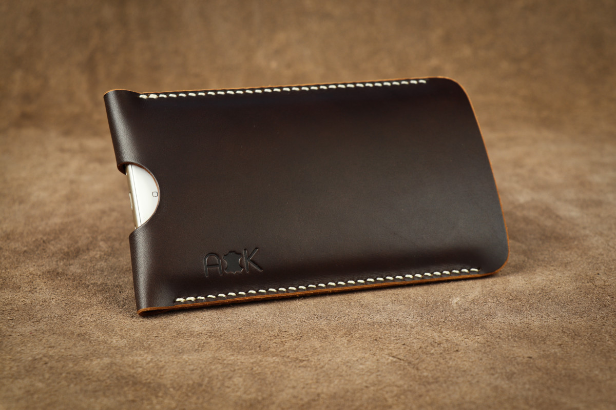 Pouzdro A-K z pravé kůže pro Apple iPhone 5c, hnědé