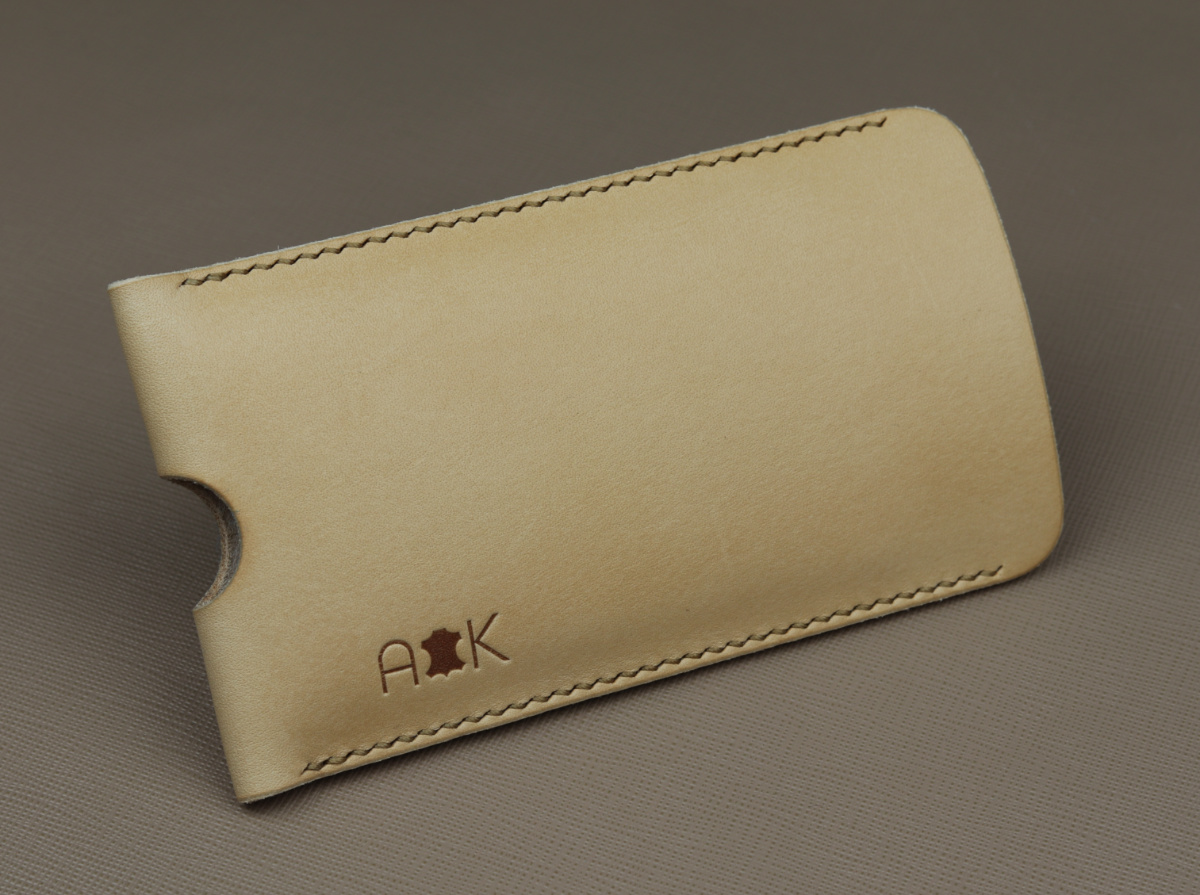Pouzdro A-K z pravé kůže pro Apple iPhone 4s, přírodní