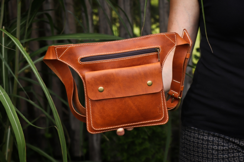Kožená Ledvinka - kapsička do pasu