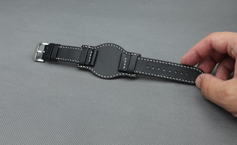 Kožený řemínek k hodinkám